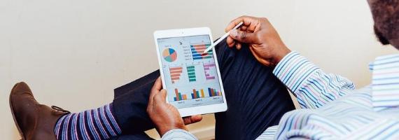 Kredyt konsumencki a konsumpcyjny – jakie są różnice?